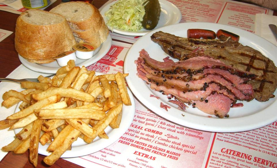 Montreal-Stil Rauchfleisch (Montreal Style Smoked Meat)