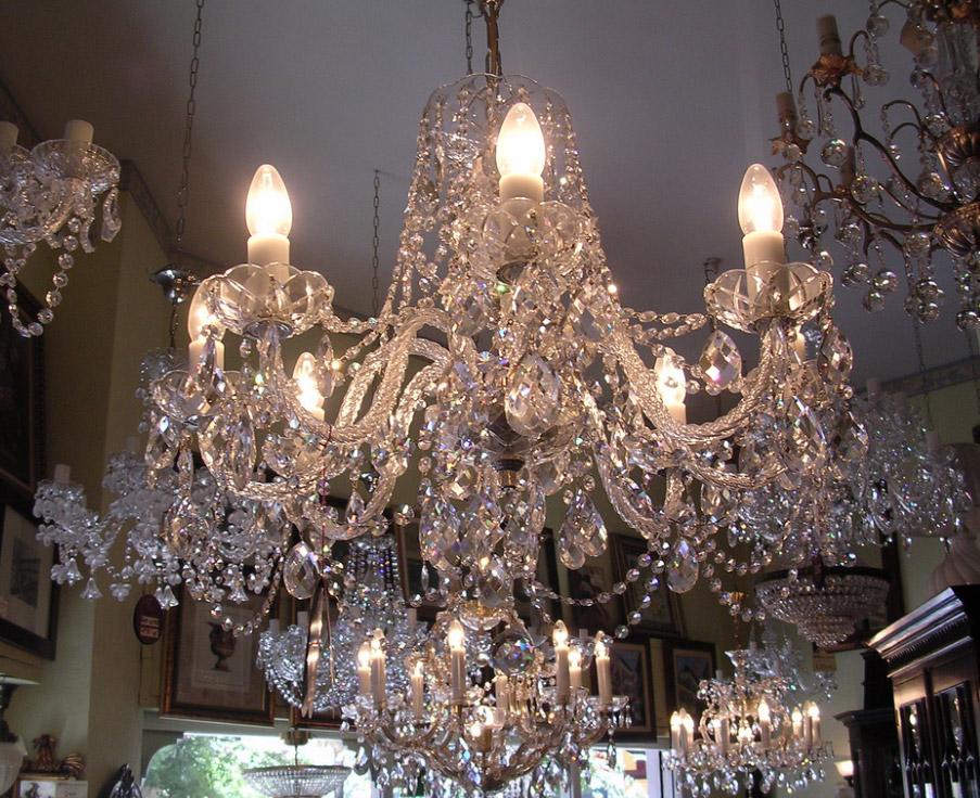 Lampade Cristallo Di Boemia : Praga cristalli di boemia repubblica ceca i prodotti tipici