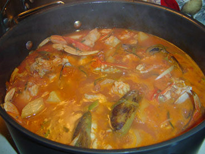 Marseille Bouillabaisse (Provence, France) - traditional food Marseille - traditional dishes ...