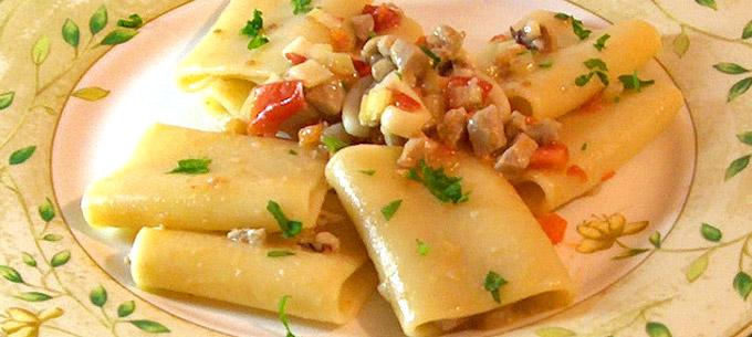 Napoli paccheri campania italia piatti tipici napoli for Prodotti tipici roma