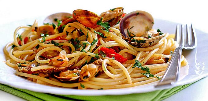 Ricetta Spaghetti alle vongole - Le Ricette di GialloZafferano.it