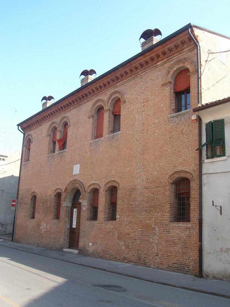 Ferrara le case di personaggi storici emilia romagna for Casa immagini