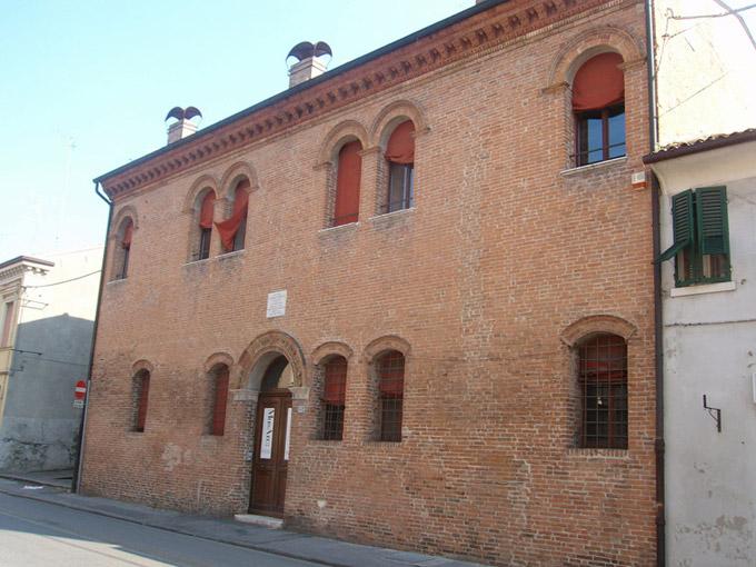 Ferrara le case di personaggi storici emilia romagna for Piani di casa storici