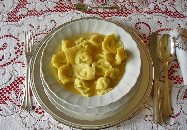 Reggio d 39 milie cappelletti milie romagne italie plat typique reggio d 39 milie plats - Cap bagno reggio emilia ...