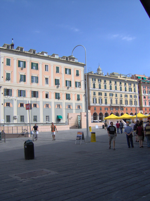 Genova Caricamento