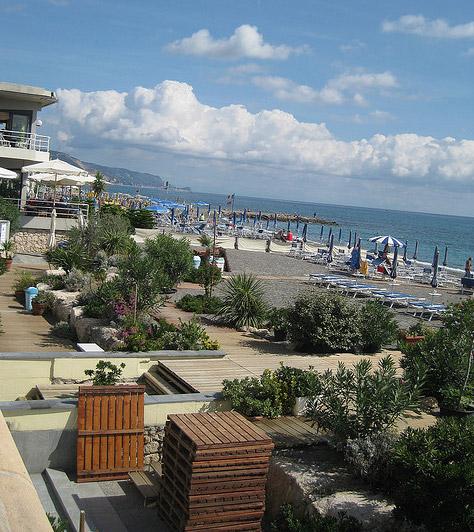 albenga sea and beaches liguria italy san remo beach albenga beach sanremo albenga. Black Bedroom Furniture Sets. Home Design Ideas