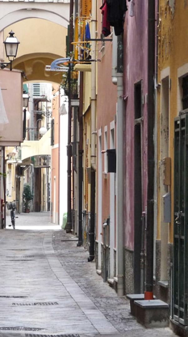 Pietra Ligure Il Centro Storico (Liguria, Italia) - centri ...