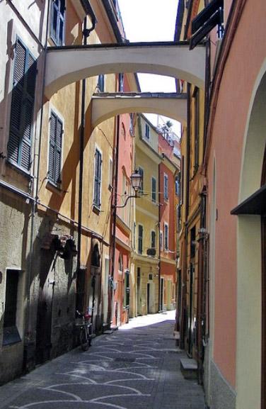 Pietra Ligure Il Centro Storico Liguria Italia Centri