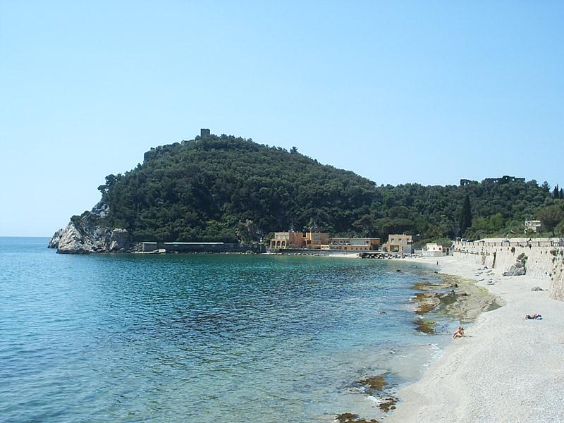 Varigotti La Baia Dei Saraceni Liguria Italia Riviera Dei Fiori Varigotti Riviera Dei