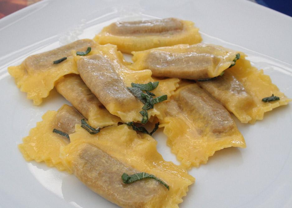Cremona Tortelli di zucca (Lombardia, Itália) - pratos