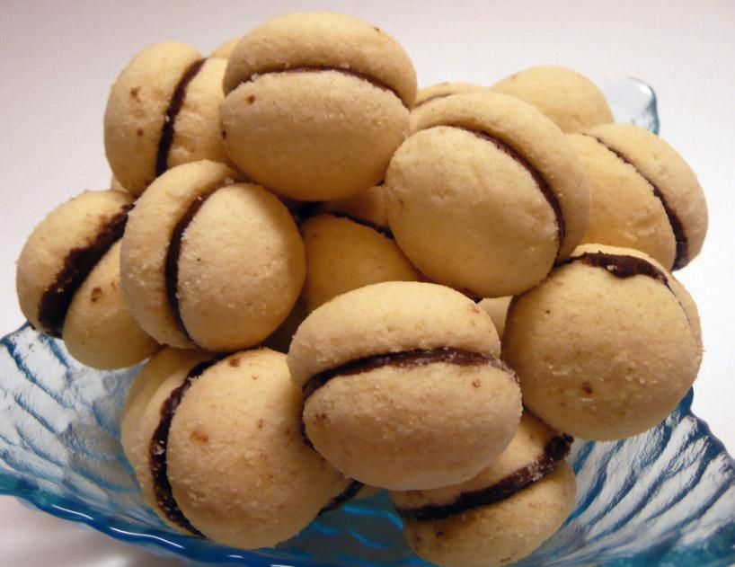 dama italian cookies baci di dama hazelnut baci di dama baci di dama ...