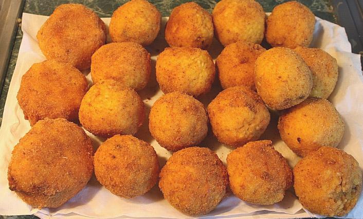 Palermo arancini sicilia italia piatti tipici palermo for Prodotti tipici roma