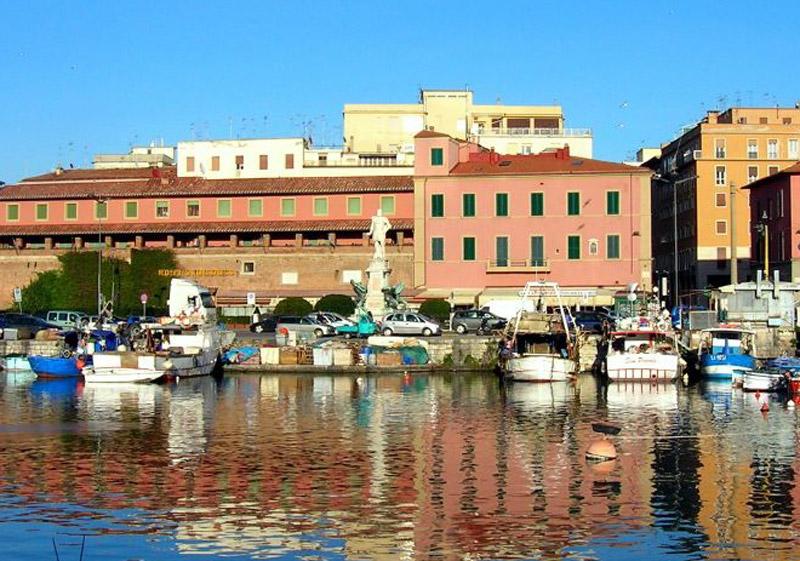 ... Livorno - the marina Livorno - marinas Livorno - marina harbor Livorno