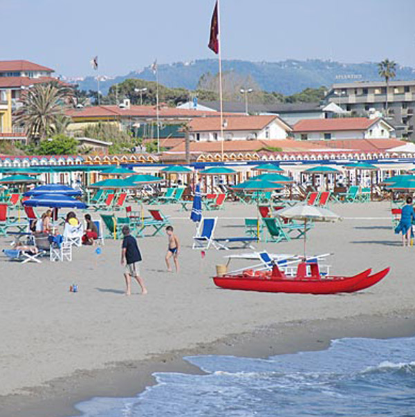 Forte Dei Marmi Italy  city images : Italy tuscan coast Forte dei Marmi tuscan towns Forte dei Marmi ...