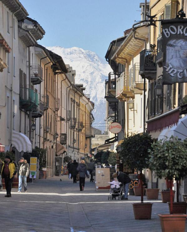 Aosta Il Centro Citt 224 Valle D Aosta Italia Borgo