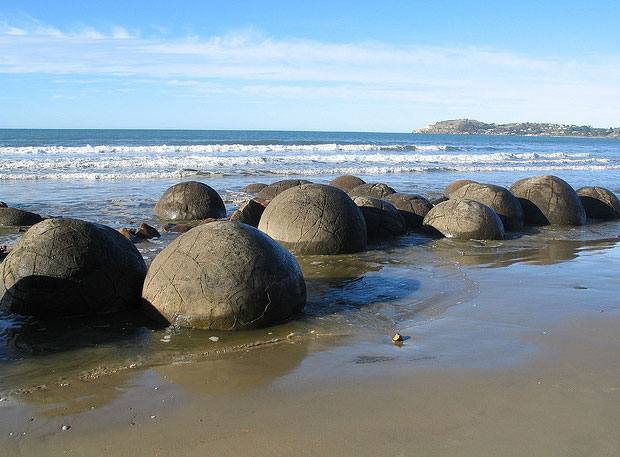 Oamaru Moeraki Boulders New Zealand Beach Oamaru The Beach Oamaru At The Beach Oamaru