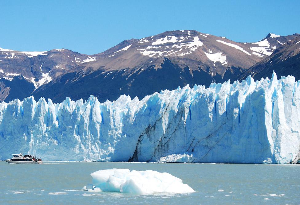 el calafate perito moreno  patagonia  argentina